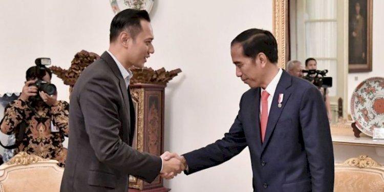 Ketua Umum Partai Demokrat, Agus Harimurti Yudhoyono (AHY) dan Presiden Joko Widodo/Net